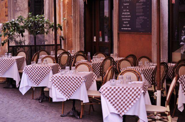 Jak wybrać obrusy do lokali gastronomicznych?
